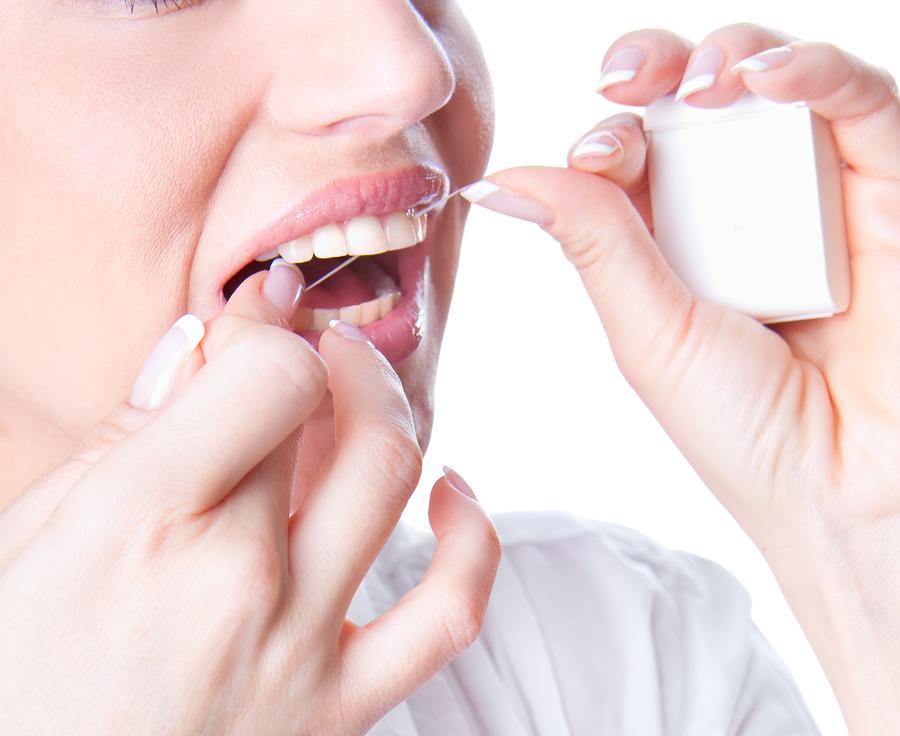 Đánh răng thường xuyên giúp giảm nguy cơ viêm khớp