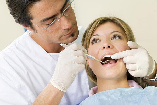 Mang thai có nên lấy cao răng không thưa bác sỹ?