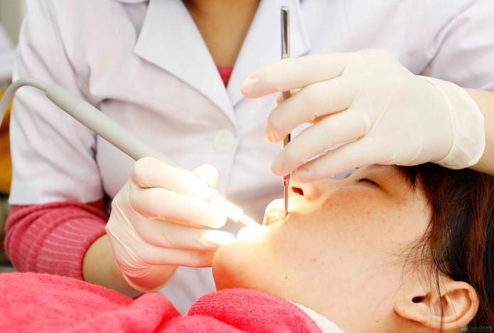Có nên lấy tủy răng khi mang bầu hay không?