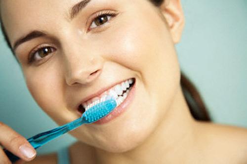 Răng sâu gây hôi miệng phải làm sao? 2
