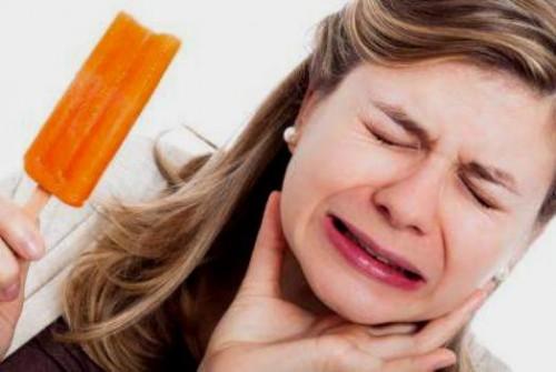 Nguyên nhân hiện tượng ê buốt chân răng và cách khắc phục
