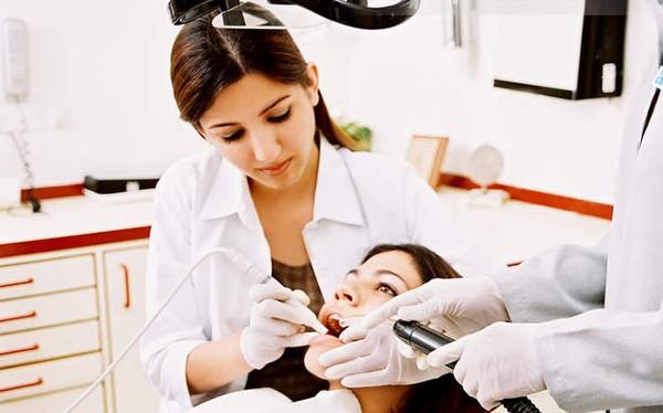 Nguyên nhân chủ yếu của trình trạng sưng chân răng là gì? 3