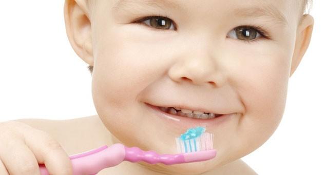 Những tác hại sâu răng sữa ở trẻ em bạn nên biết 4