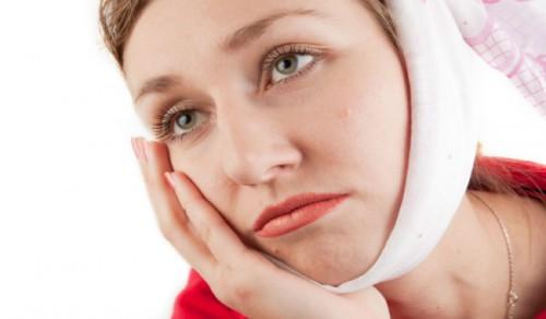 Nhổ răng khôn khi mang thai có nguy hiểm không?