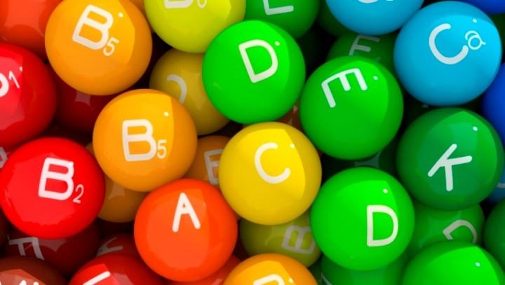Chảy máu chân răng thiếu vitamin gì thưa bác sỹ?