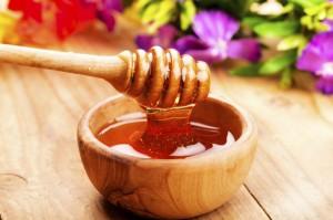 """Bật mí """"độc chiêu"""" mật ong trị sâu răng đơn giản tại nhà"""