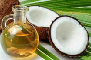 Cách làm trắng răng hiệu quả tại nhà bằng dầu dừa