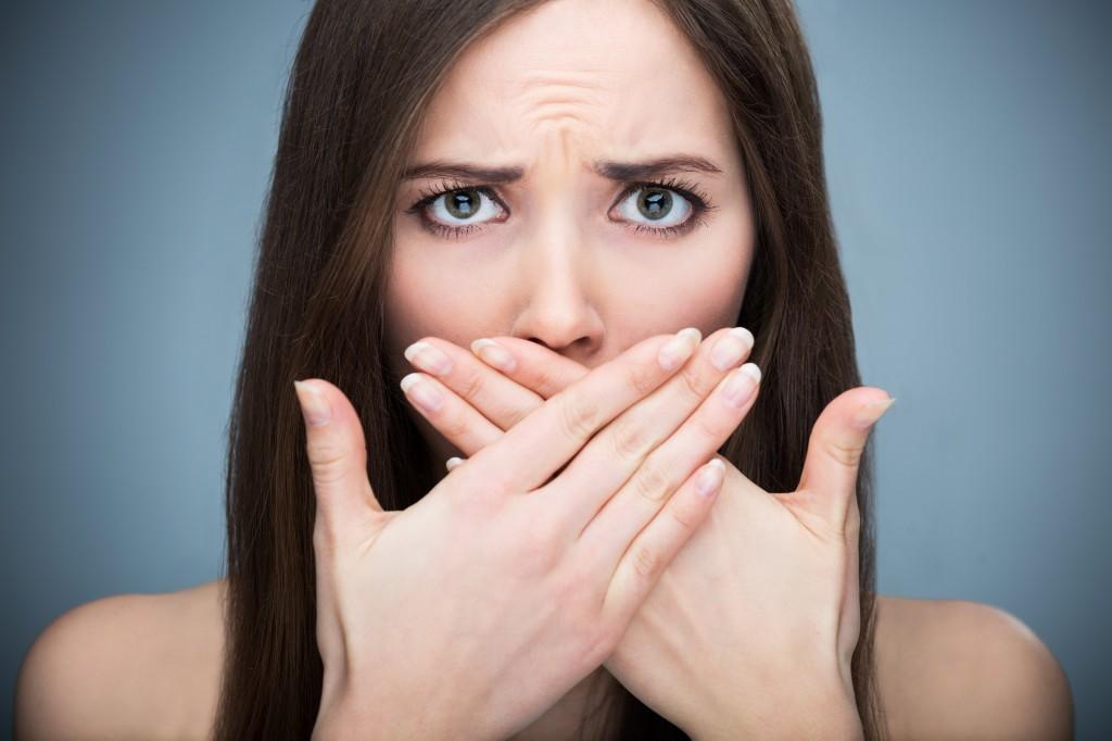 Triệu chứng viêm chân răng nguy hiểm bạn nên biết 2