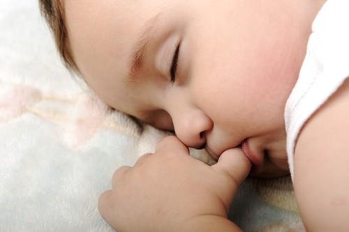 Thức ăn cho bé mọc răng - Những điều cần lưu ý 2