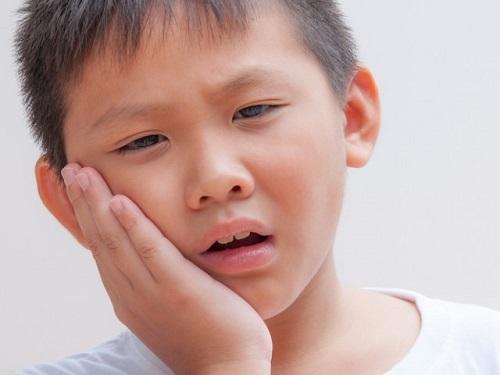 Tình trạng đau răng ở trẻ em, cách giảm đau răng tại nhà