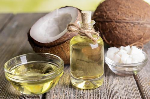 Cách lấy cao răng bằng dầu dừa đơn giản hiệu quả nhất