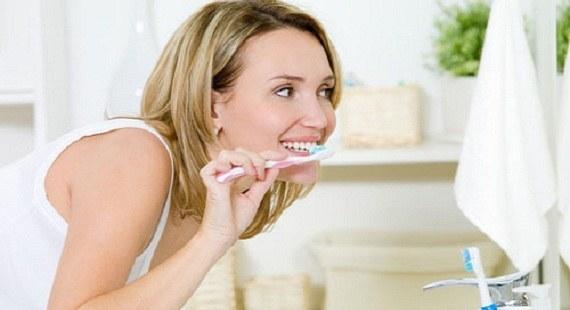 Ưu nhược điểm và cách sử dụng kem tẩy trắng răng CHUẨN 1