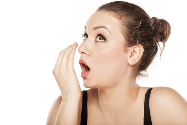 """Cách chữa hôi miệng hiệu quả """"ĐỘC NHẤT VÔ NHỊ"""" ngay tại nhà"""