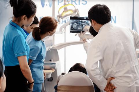 Giá trồng răng sứ tại nha khoa Paris