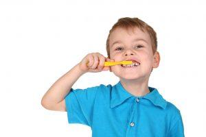 Trẻ bị viêm chân răng phải làm sao điều trị DỨT ĐIỂM 2