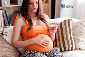 Khô miệng khi mang bầu có hại không?