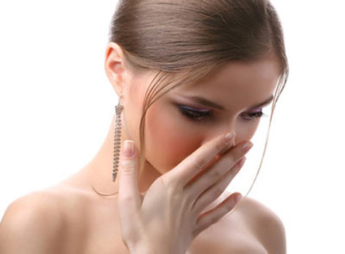 Cách chữa hôi miệng từ cổ họng?